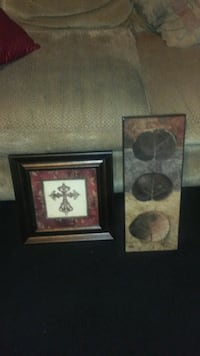 2 wall art pictures for 8 dollars