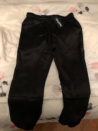 NEW Boohoo Satin Joggers (with tags) Laval, H7M 5M2