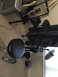 Alesis nitro kit with throne/stool Fairfax, 22030