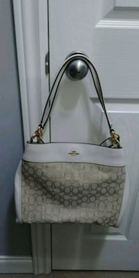 BNWT Beautiful Coach Tote Langley, V3A 1G2