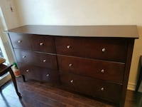 Brown dresser with 6 drawers Richmond Hill, L4S 2G4