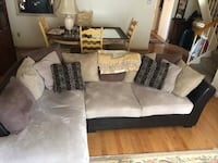 Beige sectional couch Toronto, M2K 2T3