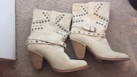 Boots size 8- shoes size 7.5 West Columbia, 29170