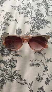 Peach colored sunglasses San Leandro, 94577
