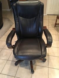 Black leather office rolling chair Mesquite