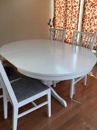 Dining table plus 4 chairs Chantilly, 20151