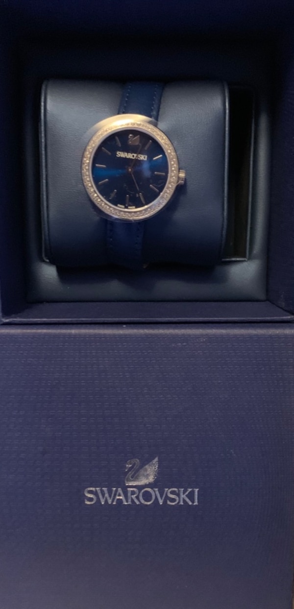 Swarovski watch 32e564df-36f0-480a-8854-4121fa24901e