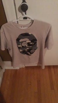 white and black crew-neck t-shirt Welland, L3B 1Z6