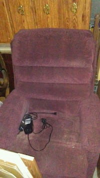 Electric lift recliner Pikeville, 27863