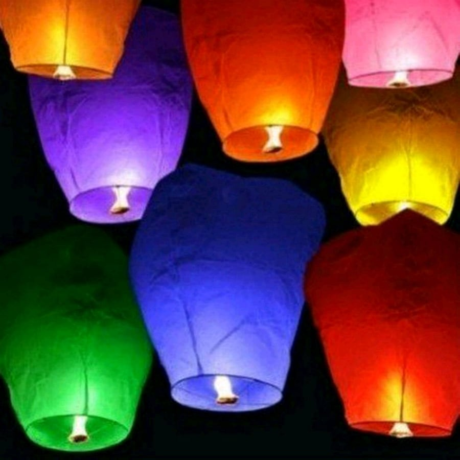 Outdoor Flying lanterns 2 colors left