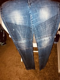 Like new skinny jeans Fort Worth, 76116