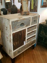 Commode Montreal, H2R 2X6