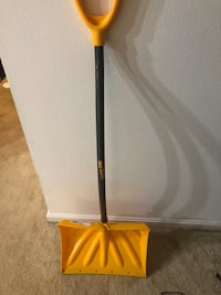 Snow shovel   Bethesda, 20814