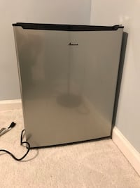 black Galanz single-door refrigerator Reston, 20191
