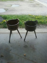 two black leather padded bar stools Hanover, 17331
