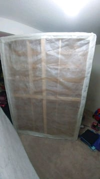 Queen mattress and bed box Brampton, L6R 3P9
