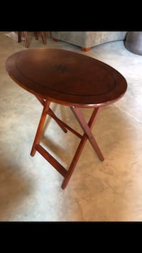 round brown wooden side table Fairfax, 22033