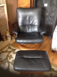 Reclining chair with footrest North Vancouver, V7N