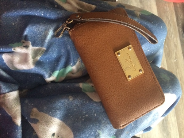 Michael kors purse 3