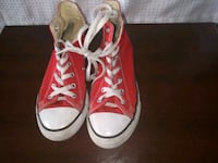pair of red high top sneakers Xenia, 45385