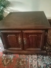 Pair of end  tables.   2 for $100. Chicago, 60616