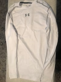 Under Armor man size L  547 mi