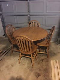 Brown wooden dining table set Wilmington, 19808