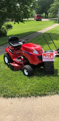red and black Troy-Bilt riding mower Independence, 41051