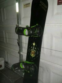 Vision snowboard, Forum bindings with size 10 boots