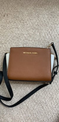 Michael Kors Bag Vienna, 22031