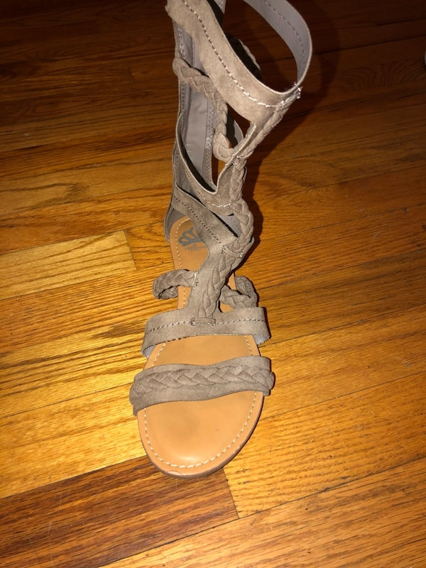pair of gray leather open toe ankle strap heels 87473a81-4ebc-46ab-9299-ae4dde92413b