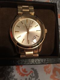 New round gold Michael Kors Watch   Fayetteville, 72704