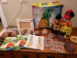 Tropical Decor Items
