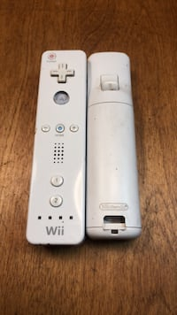2 Wii Contollers Cupertino, 95014
