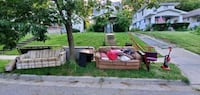 Free stuff, Curb Alert!! Couches, desk, rugs, bed  Kansas City, 64110