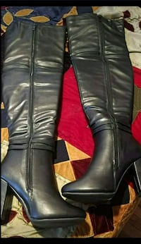 pair of black leather knee-high boots Brooklyn, 11203