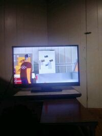 32 inch sharp flat screen with remote Brighton, 02135