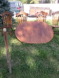 table and chair wood set Detroit, 48202