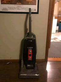 black eureka contour  upright vacuum cleaner