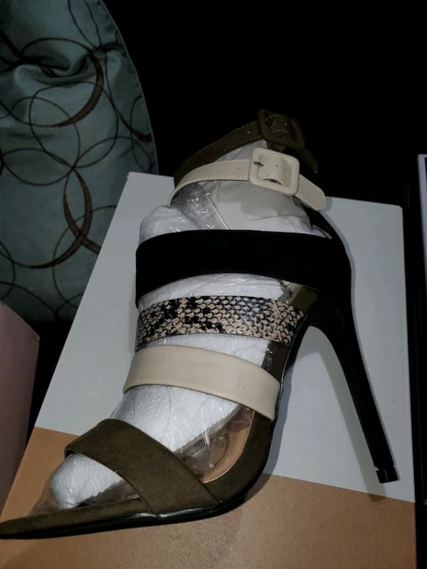 Size 7.5  all 3 pairs heels   All brand new in the Box ff567772-0dec-4d4c-80b3-c505c7a3a2d3