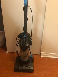 Bissel vacuum- working perfectly  Vancouver, V6P 6P2