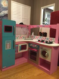 red and white kitchen playset Richmond Hill, L4S 2H6
