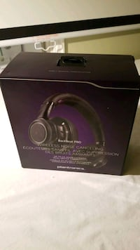 Plantronics- BlackBeat Pro Wireless noise cancelling headphone