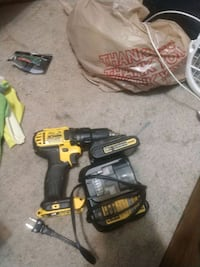 Dewalt cordless hand drill and impact wrench Oregon City, 97045