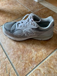 pair of gray New Balance running shoes Vaughan, L4L 9P5