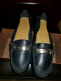 pair of black leather slip on shoes Waldorf, 20602