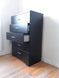 Contemporary Dresser With 5 Drawers Elmwood Park