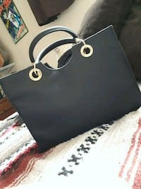 black Michael Kors leather tote bag Kamloops, V2C 2R2
