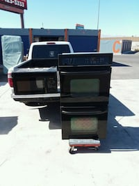 Black Double Gas Oven with Black Microwave  Las Vegas, 89109