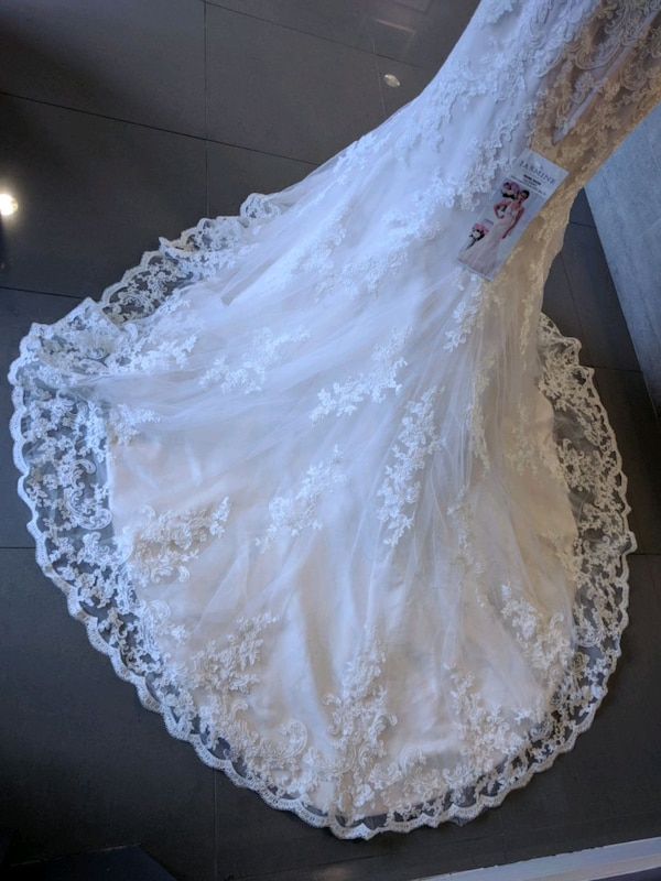 Jasmine Collection ivory gold wedding gown size 12 9180b19a-cc1a-41a9-934d-86d2facce726